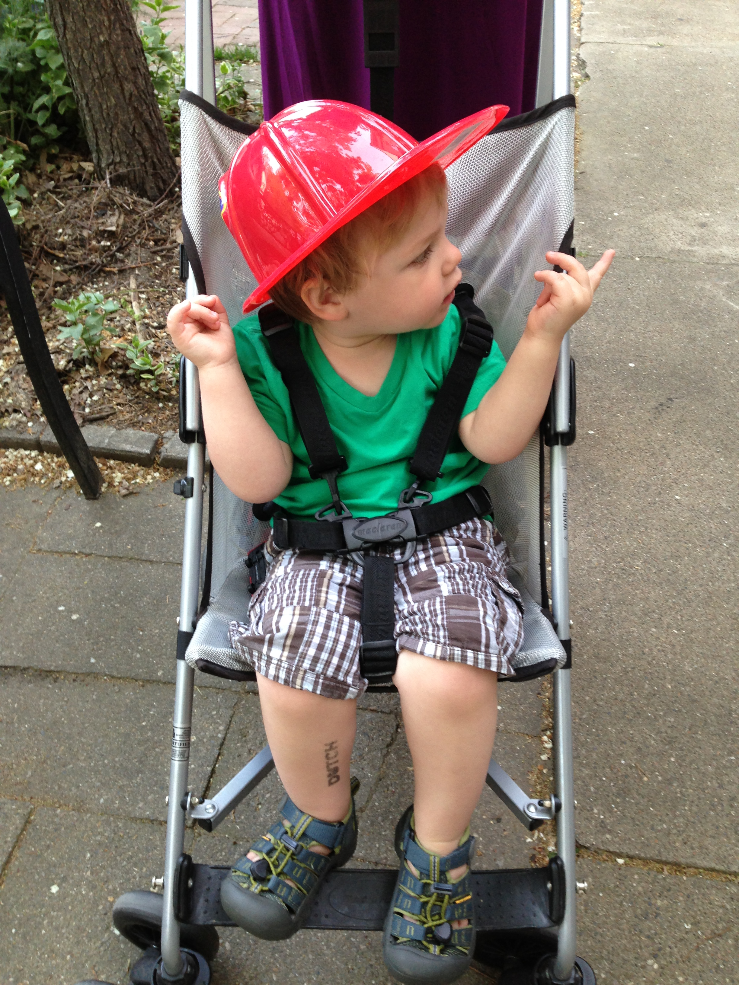 and then we insist on wearing our fireman hat around downtown for a stroll. why not? perhaps we've established a new summer uniform??